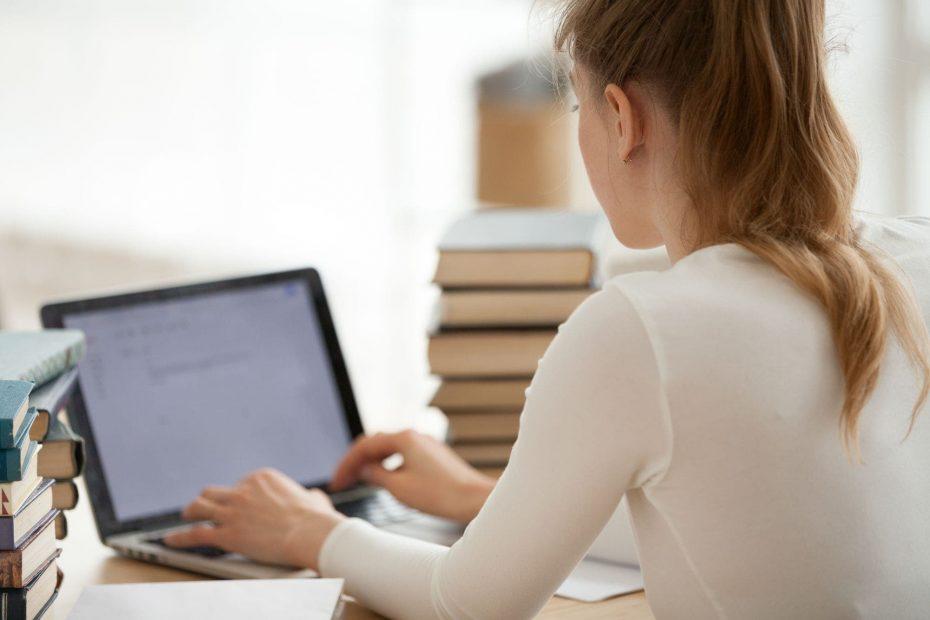 Come scrivere una tesi di Laurea compilativa: alcuni consigli essenziali